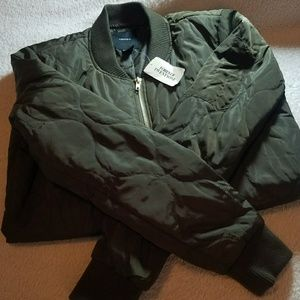 Forever 21 NWT Olive Bomber Jacket Small